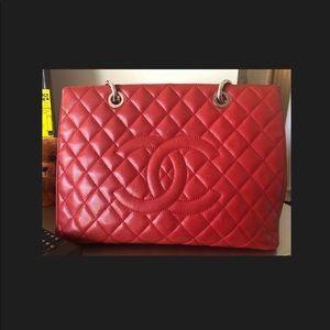 b12345f2b113 Women Red Jumbo Chanel Bag on Poshmark